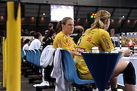 Handball 1. Bundesliga Frauen / Damen - DHB - Punktspiel - HC Leipzig (HCL) : Thüringer HC (THC) - Arena Leipzig - im Bild:    Maike Daniels (HCL) auf der Bank.   Foto: Norman Rembarz..Norman Rembarz , Autorennummer 41043728 , Augustenstr. 2, 04317 Leipzig, Tel.: 01794887569, Hypovereinsbank: BLZ: 86020086, KN: 357889472, St.Nr.: 231/261/06432 - Jegliche kommerzielle Nutzung ist honorar- und mehrwertsteuerpflichtig! Persönlichkeitsrechte sind zu wahren. Es wird keine Haftung übernommen bei Verletzung von Rechten Dritter. Autoren-Nennung gem. §13 UrhGes. wird verlangt. Weitergabe an Dritte nur nach  vorheriger Absprache. Online Nutzung ist separat kostenpflichtig !.