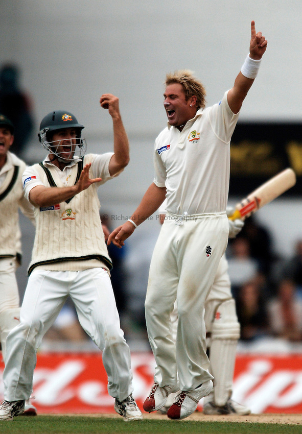 Photo: Glyn Thomas..England v Australia. nPower Test Series. The Ashes 2005..11/09/2005..Australia's Shane Warne (R) celebrates taking a wicket.