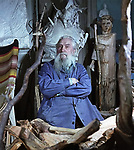 Скульптор Сергей Тимофеевич Конёнков (1874—1971) на снимке Дмитрия Бальтерманца, 1960 год. / Sculptor Sergei Timofeevich Konenkov (1874-1971) in the picture of Dmitry Baltermants, 1960.