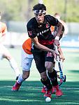 BLOEMENDAAL   - Hockey -  2e wedstrijd halve finale Play Offs heren. Bloemendaal-Amsterdam (2-2) . A'dam wint shoot outs. Johannes Mooij (A'dam).  COPYRIGHT KOEN SUYK