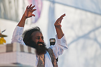 Indian guru Sri Sri Ravi Shankar, leader of the NGO The Art of Living  conducted a meditation that summoned a mass of  around 100000 people in Buenos Aires.