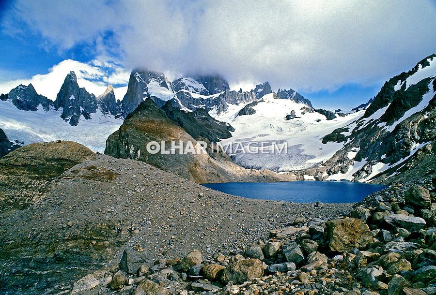 Lago andino na Patagônia, Santa Cruz. Argentina. 1991. Foto de Luciana Whitaker.