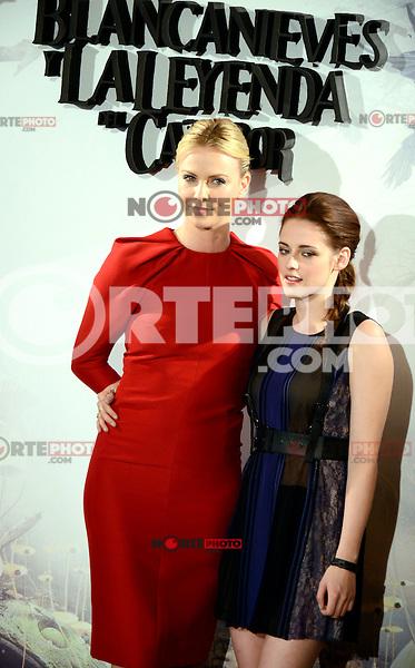 Kristen Stewart y Charlize Theron asisten al photocall de la pelicula 'Blancanieves y la Leyenda del Cazador' en la Casa America de Madrid.             ----------------------------Kristen Stewart and Charlize Theron attend the photocall of the movie 'Snow White and the Huntsman' at the Casa America in Madrid *NortePhoto*<br />  **CREDITO OBLIGATORIO** .*No*venta*a*terceros*.*No*sale*to*third*<br />  SOLO VENTA EN MEXICO y USA