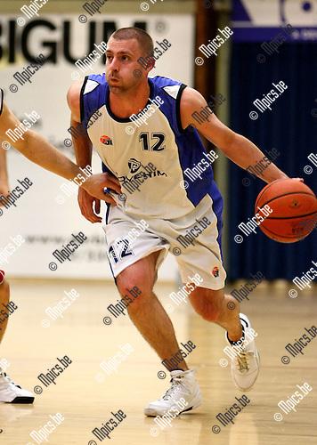 2009-10-20 / Basketbal / seizoen 2009-2010 / Pitzemburg / Sven Veldeman..foto: mpics