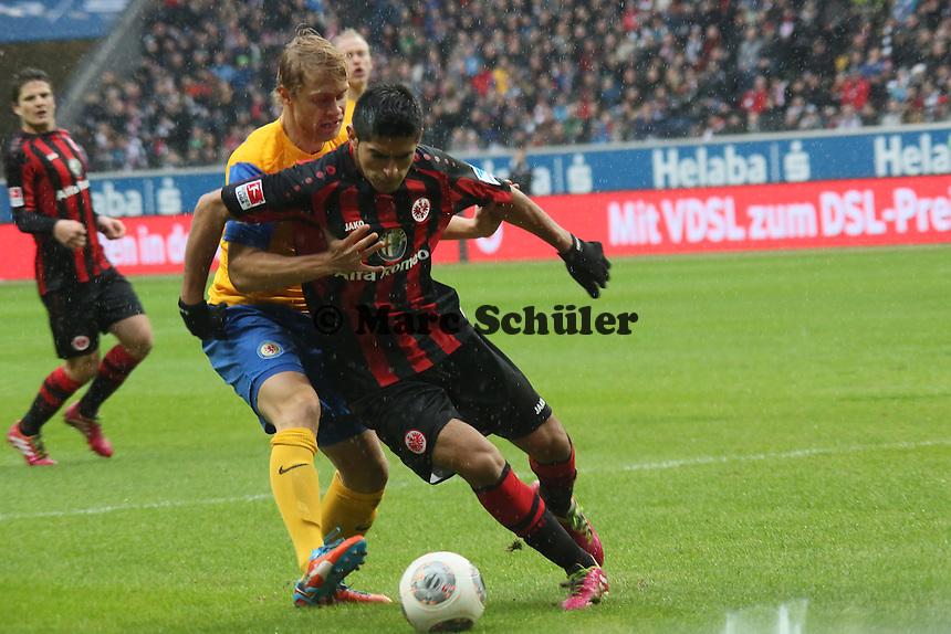 Carlos Zambrano (Frankfurt) gegen Jan Hochscheidt (Braunschweig) - Eintracht Frankfurt vs. Eintracht Braunschweig, Commerzbank Arena