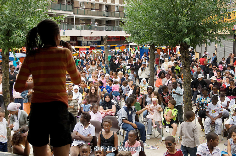 Local residents watch performances at Church Street Summer Festival 2007.