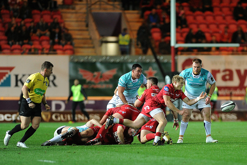 Scarlets' Aled Davies in action during todays match<br /> <br /> Photographer Ashley Crowden/CameraSport<br /> <br /> Guinness Pro14  Round 5 - Scarlets v Connacht Rugby - Friday 29th September 2017 - Parc y Scarlets - Llanelli<br /> <br /> World Copyright &copy; 2017 CameraSport. All rights reserved. 43 Linden Ave. Countesthorpe. Leicester. England. LE8 5PG - Tel: +44 (0) 116 277 4147 - admin@camerasport.com - www.camerasport.com