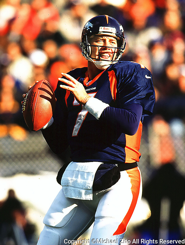 Denver Bronco Quarterback John Elway #7 inaction.