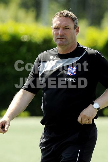 voetbal eerste training sc heerenveen 23 -06-2010 ron jans