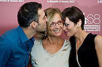Cristina Comencini al centro, posa con Filippo Timi e Claudia Pandolfi durante il photocall del film Quando la notte'.