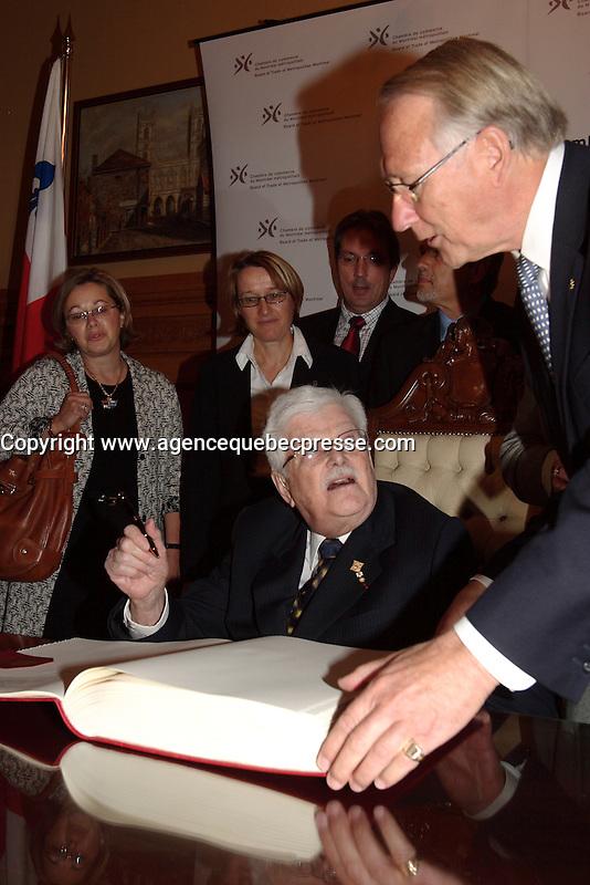 Montreal (Qc) CANADA -October 9 2007 -<br /> Paul Guerin-Lajoie ,Gerald Tremblay,<br /> <br /> Gala des Grands Montrealais a l'Hotel de Ville de Montreal<br /> <br /> <br /> <br /> <br /> photo : Pierre Roussel /  Images Distribution