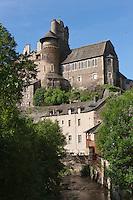 Europe/France/Midi-Pyrénées/12/Aveyron/Estaing: Le château d'Estaing domine le confluent du Lot et de la Coussanne. XV ème siècle,