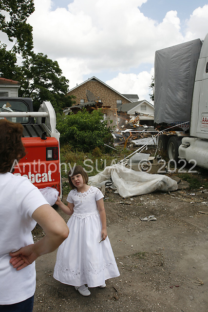 Saint Bernards Parish, Louisiana.May 27, 2006..Demolition teams work at leveling as many as 6,000 homes in St. Bernard's Parish damaged by hurricane Katrina in August of 2005..