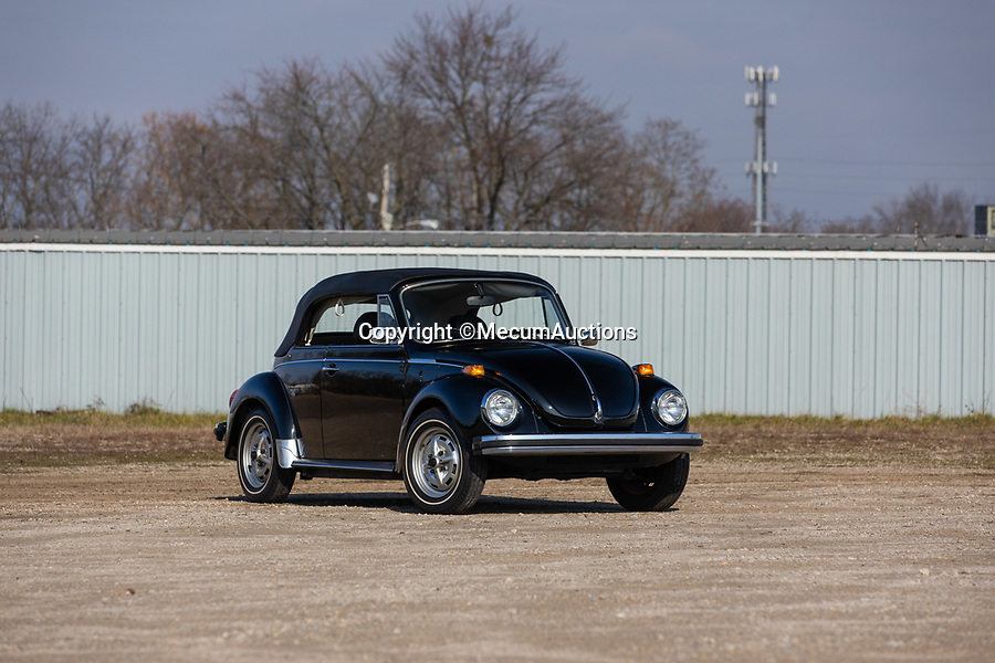 BNPS.co.uk (01202 558833)<br /> Pic: MecumAuctions/BNPS<br /> <br /> A breathtaking time warp Volkswagen Beetle that has less than 600 miles on the clock has emerged for sale at auction for £35,000.<br /> <br /> The 1979 'Super Beetle, Epilogue Edition' is one of just 900 of its kind to be built and has covered just 558 miles in its 41-year-life.<br /> <br /> The convertible classic spent several years in a private Volkswagen museum in Maryland but is now set to go under the hammer.