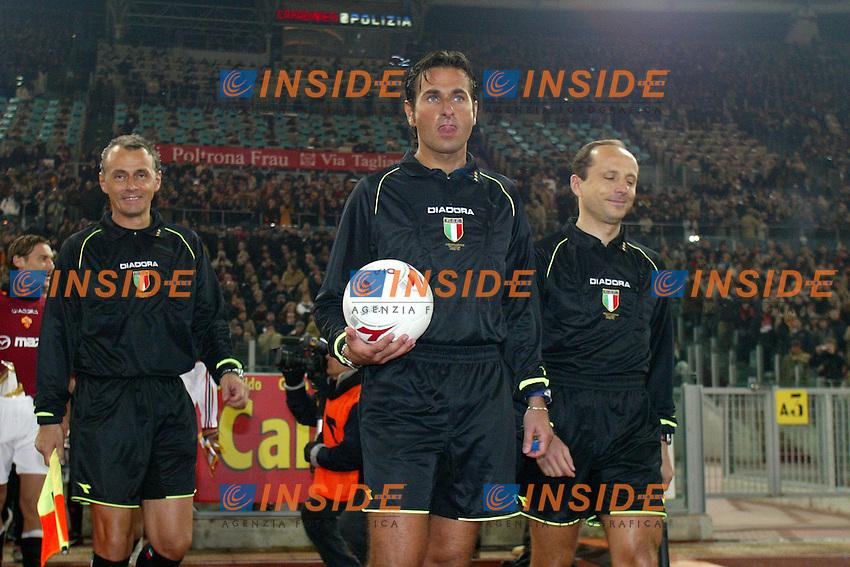 Roma 6/1/2004 Roma - Milan 1-2<br /> L'arbitro Paparesta e i suoi collaboratori all'ingresso in campo<br /> Photo Andrea Staccioli / Insidefoto