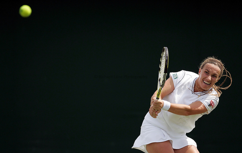 Photo: Paul Thomas..Wimbledon Championships. 28/06/2007...Svetlana Kuznetsova (RUS) during her match against Bethanie Mattek.