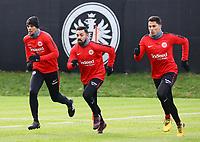 Timothy Chandler (Eintracht Frankfurt), Marco Fabian (Eintracht Frankfurt), Carlos Salcedo (Eintracht Frankfurt) - 29.12.2017: Eintracht Frankfurt Training, Commerzbank Arena