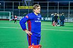 AMSTELVEEN -  Teleurstelling bij keeper Philip van Leeuwen (Adam)  na  de play-offs hoofdklasse  heren , Amsterdam-Bloemendaal (0-2).    COPYRIGHT KOEN SUYK