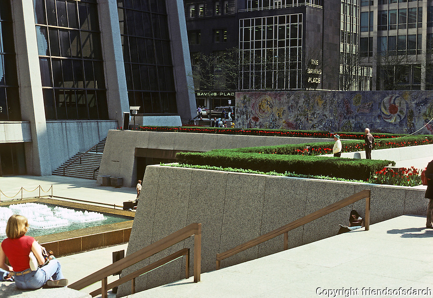 Chicago: First National Bank Building Plaza, 1969. C.R. Murphy Assoc., Peakins & Will Partnership. Photo '78.