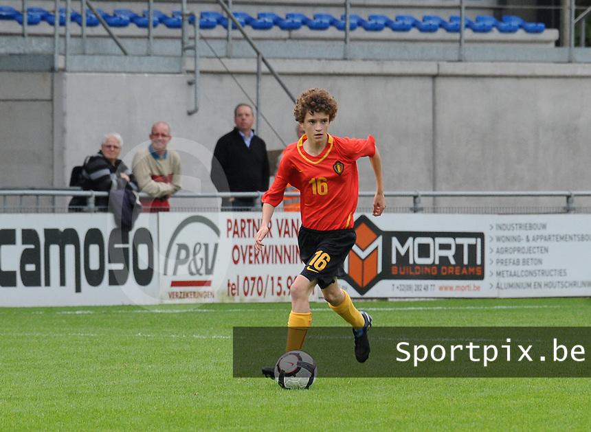 Belgium U17 - Armenia U17 : Tinne Van Den Bergh<br /> foto Joke Vuylsteke / nikonpro.be