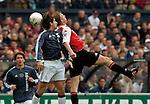 Photo: Gerrit de Heus. Rotterdam. 11/04/04..Feyenoord-Ajax. Kopduel tussen Escude? (L) en Dirk Kuijt.