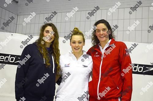 2015-01-25 / Zwmmen / seizoen 2014-2015 / svbo / Speedo Cup Antwerpen / Podium 100m vlinderslag / Kimberly Buys (r. BRABO) werd derde na Anna Ntountounaki (GRE) en de Britse Rachel Kelly (midden)<br /><br />Foto: Mpics.be