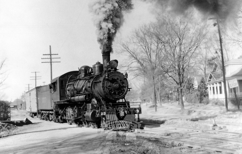 Train coming in to Depot <br />