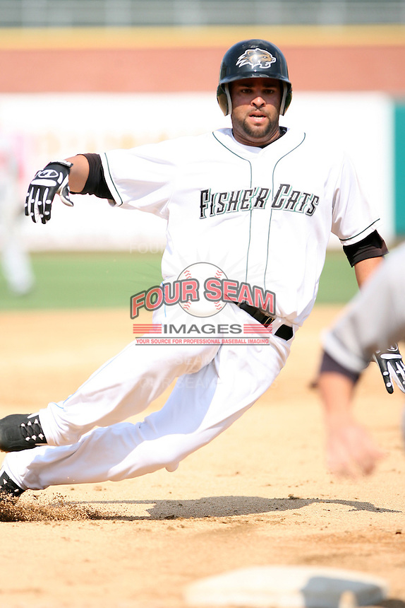 2007:  Rob Cosby of the New Hampshire Fisher Cats, Class-AA affiliate of the Toronto Blue Jays, during the Eastern League baseball season.  Photo by Mike Janes/Four Seam Images