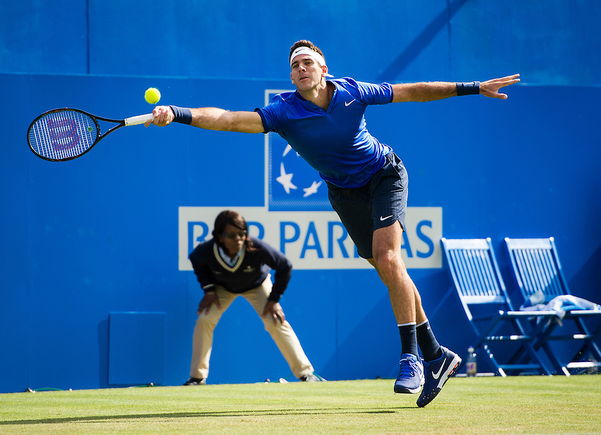 Juan Martin Del Potro of Argentina in action against John Isner of the USA in their Men&rsquo;s Singles First Round match<br /> <br /> Photographer Ashley Western/CameraSport<br /> <br /> Tennis - Aegon Championships 2016- Day 3 - Wednesday 15th June 2016 - Queen's Club - London <br /> <br /> World Copyright &copy; 2016 CameraSport. All rights reserved. 43 Linden Ave. Countesthorpe. Leicester. England. LE8 5PG - Tel: +44 (0) 116 277 4147 - admin@camerasport.com - www.camerasport.com