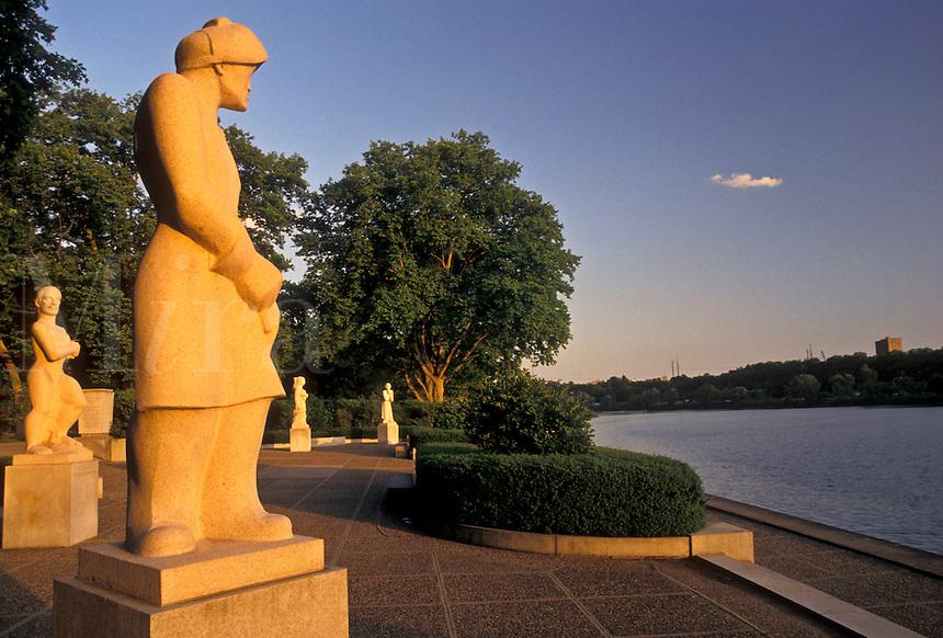 AJ4307, Philadelphia, Fairmont Park, Pennsylvania, Schuylkill River, Statues along the Schuylkill River at sunset in Fairmount Park in Philadelphia in the state of Pennsylvania.