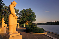 AJ4307, Philadelphia, Fairmont Park, Pennsylvania, Schuylkill River, Statues along the Schuylkill River at sunset in Fairmount Park in Philadelphia in the state of Pennsylvania.