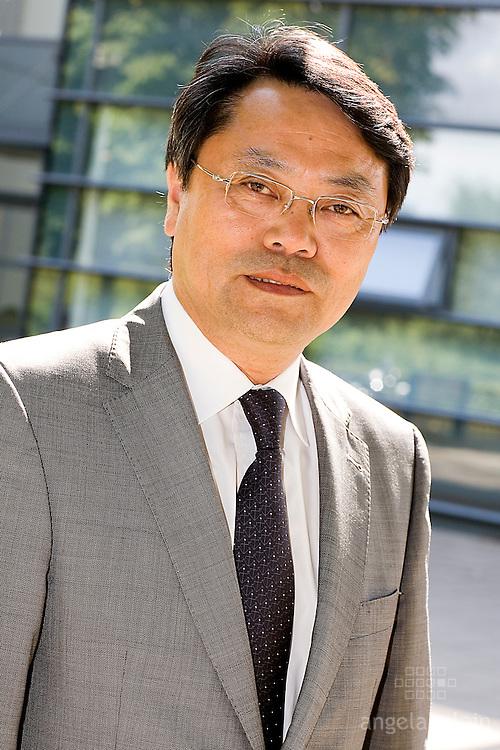 Dr Liming Wang.UCD