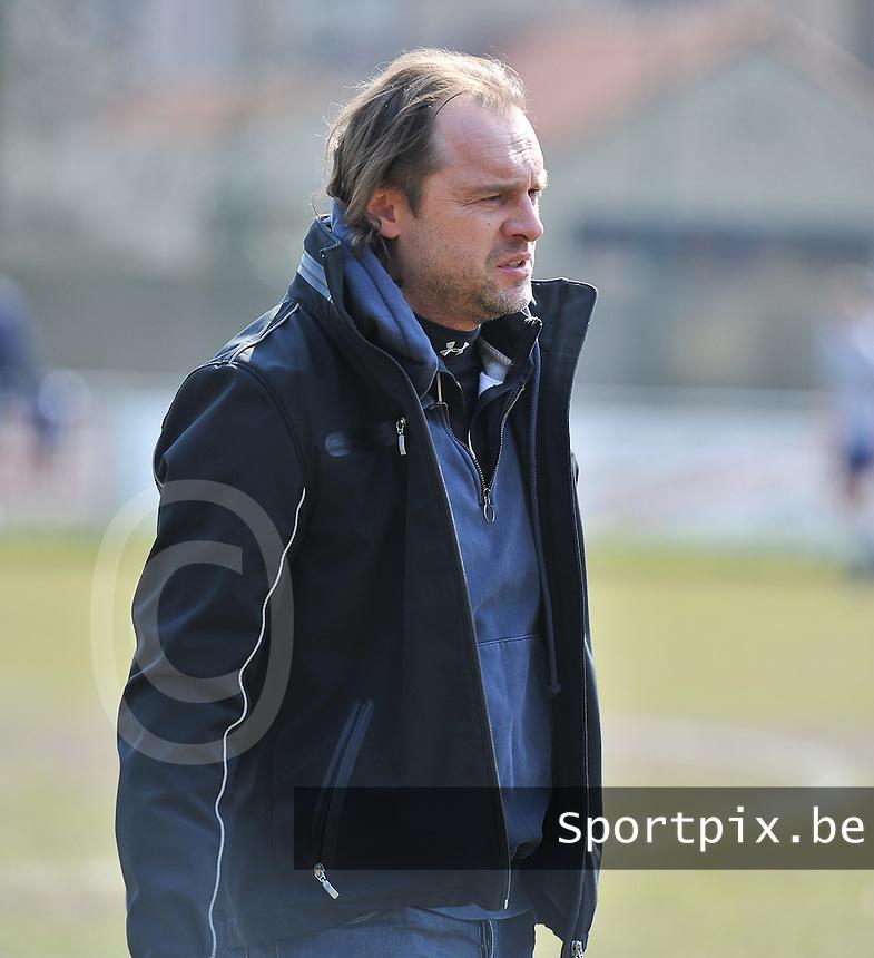 KEG Gistel : trainer Peter Linskens.foto VDB / BART VANDENBROUCKE