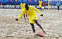 RAVENNA, ITALIA, 08 DE SETEMBRO DE 2011 - COPA DO MUNDO DE BEACH SOCCER - <br /> <br /> PORTUGAL X SENEGAL-  Pape Koukpaki jogador do Senegal durante de partida contra a Portugal, válida <br /> <br /> pelas quartas de final da Copa do Mundo de Beach Soccer, no Estádio Del Mare, em <br /> <br /> Ravenna, Itália, nesta quinta-feira (8). FOTO: VANESSA CARVALHO - NEWS FREE