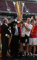 July 24, 2005: East Rutherford, NJ, USA:  USMNT goalkeeper Kasey Keller raises the trophy after winning the CONCACAF Gold Cup at Giants Stadium by defeating Panama on penalty kicks.