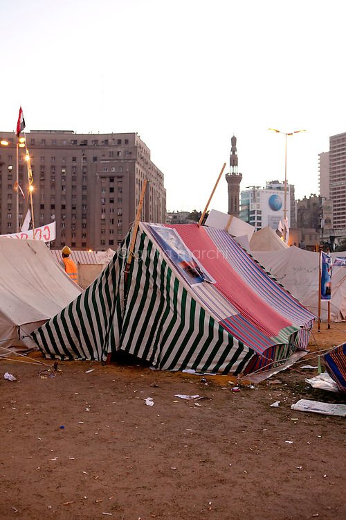 EGYPT / Cairo / December 2012 / The anti-Morsi protesters' camp in the middle of Tahrir Square in Cairo.  <br /> <br /> © Giulia Marchi