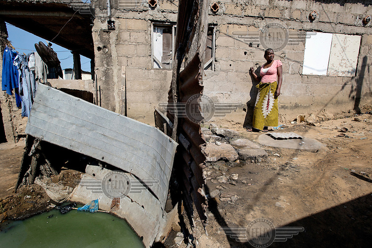 The toilet used by Matilde Fernando (37) beside her home in Chamanculo C Bairro.