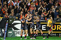 Picture by Alex Whitehead/SWpix.com - 28/09/2017 - Rugby League - Betfred Super League Semi Final - Castleford Tigers v St Helens - The Mend A Hose Jungle, Castleford, England - Castleford's Luke Gale celebrates his try with team-mates.