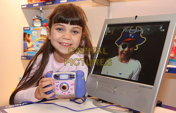 V-TECH KID ZOOM CAMERA .Dream Toys 2008 Toys predicted to top children's Christmas lists this year , Marylebone, London, England 15th October 2008..V Tech kids children's computer screen digital camera toy toys.CAP/ROS.©Steve Ross/Capital Pictures