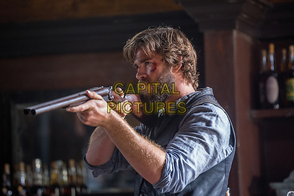 The Duel (2016)<br /> Liam Hemsworth<br /> *Filmstill - Editorial Use Only*<br /> CAP/KFS<br /> Image supplied by Capital Pictures