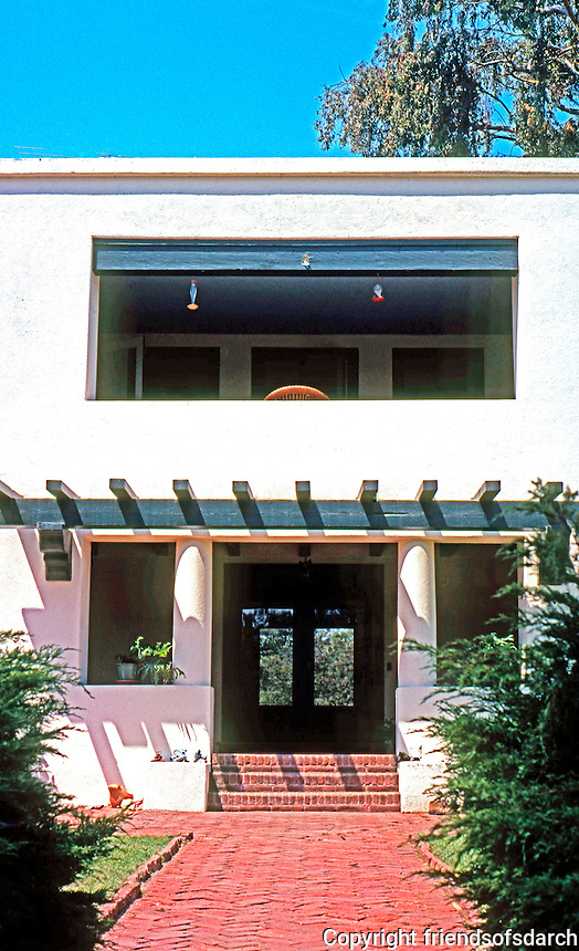Irving Gill: Allen Residence, Bonita. Entrance--you can see through the house. Photo 2000.