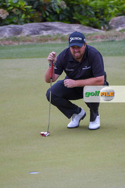 Shane Lowry (IRL) looks over his putt on 2 during day 3 of the WGC Dell Match Play, at the Austin Country Club, Austin, Texas, USA. 3/29/2019.<br /> Picture: Golffile | Ken Murray<br /> <br /> <br /> All photo usage must carry mandatory copyright credit (© Golffile | Ken Murray)