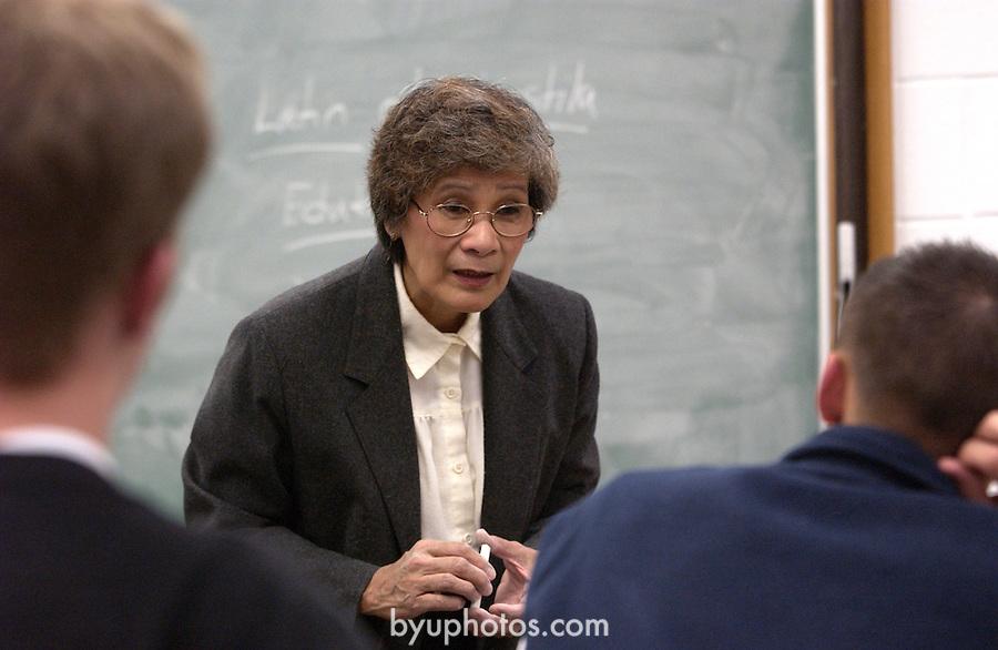 Nelia Pineda teaching..November 12, 2001..Photography by Mark A. Philbrick