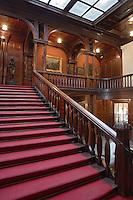 Europe/Pologne/Lodz: Le Palais d'Israël Poznanski qui contient le Musée d'Histoire de la Ville de Lodz - l'escalier et le vestibule - art nouveau