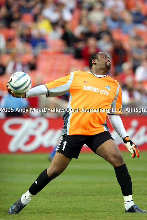 21 May 2005: Bo Oshoniyi throws the ball up the field. DC United defeated the Kansas City Wizards 3-2 at RFK Stadium in Washington, DC in a regular season Major League Soccer game. . .
