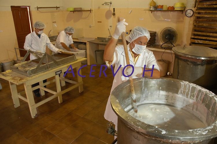 Fábrica de cosméticos Juruá, <br /> Uso de essências amazônicas.<br /> Belém, Pará, Brasil.<br /> Foto Paulo Santos