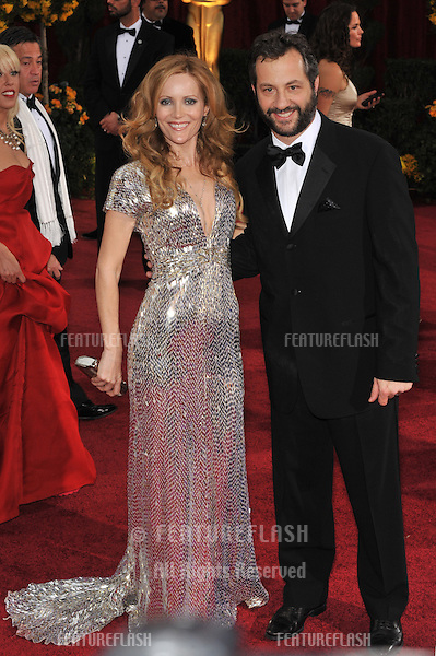 Judd Apatow & wife Leslie Mann at the 81st Academy Awards at the Kodak Theatre, Hollywood..February 22, 2009  Los Angeles, CA.Picture: Paul Smith / Featureflash