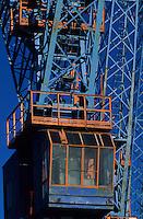Europe/France/Provence-Alpes-Côte d'Azur/13/Bouches-du-Rhône/Marseille : Le port de commerce - Détail cabines des grues