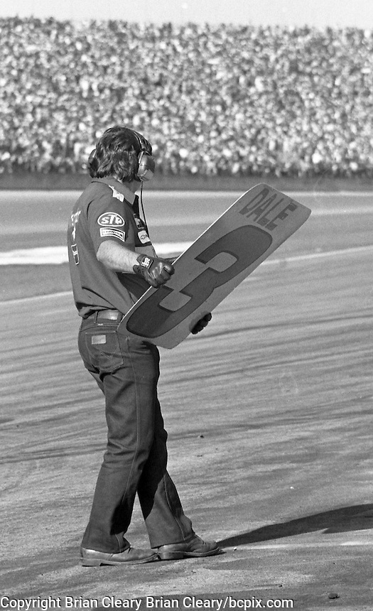 Dale Earnhardt 3 Chevrolet pit stop pits Daytona 500 at Daytona International Speedway in Daytona Beach, FL in February 1986. (Photo by Brian Cleary/www.bcpix.com) Daytona 500, Daytona International Speedway, Daytona Beach, FL, February 16, 1986.  (Photo by Brian Cleary/www.bcpix.com)