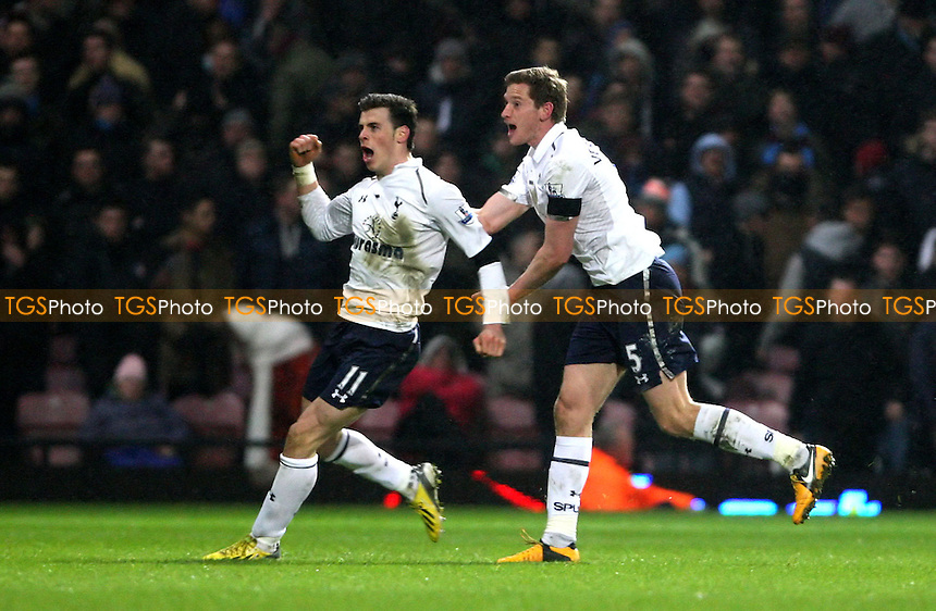 5f23af431eb Gareth Bale celebrates with Jan Vertonghen after scoring the 3rd goal for  Spurs - West Ham